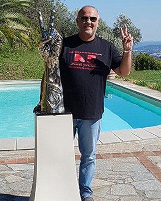 Sculptor Anthony Moman